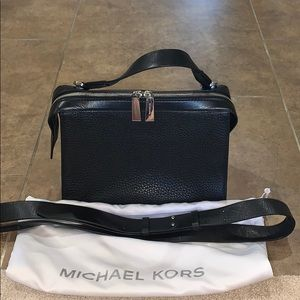 Michael Kors Irving Satchel in Black